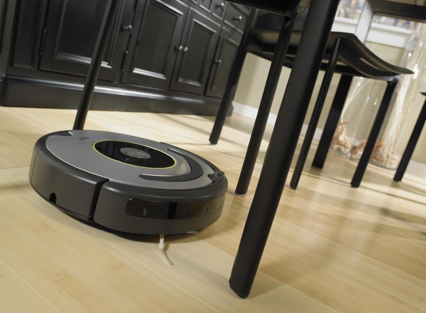 irobot roomba 615 opinioni e prezzi compra online e risparmia. Black Bedroom Furniture Sets. Home Design Ideas